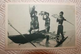 BB - CAROLINES -retour De Peches. Armés De Leur Trait En Bois De Cocotier, Les Indigènes... - Ansichtskarten