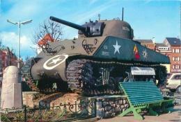 CPM - BASTOGNE - Place Mac Auliffe Et Tank - Bastenaken