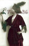 CPA Portrait Jolie Fille Frau Lady Jeune Femme élégante Et Distinguée Cute Pretty Young Woman - Robe Mode - Femmes
