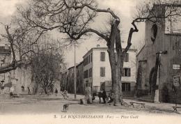 VAR - 83 LA ROQUEBRUSSANNE PLACE GUEIT FONTAINE EGLISE - La Roquebrussanne