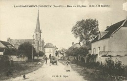 Labergement-Foigney (21 ) Rue De L´Eglise , Ecole Et Mairie - Otros Municipios