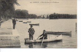 74 ANNECY Rives Du Lac Et La Préfecture, Beau Plan, Deux Personnages Dans Une Barque - Annecy