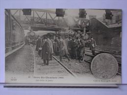 PARIS - GREVE DES CHEMINOTS (1910) - REPRODUCTION - 17 - LES TRAINS EN PANNE - Métro Parisien, Gares