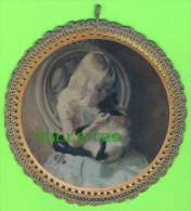 BRODERIE D�IMAGES - 2 IMAGES ENFANTS D�COR�ES AU CROCHET - 16.5 cm DIAM�TRES -