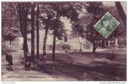 CHOISY LE ROI - 94 - L´hôtel De Ville Et La Pelouse - Choisy Le Roi