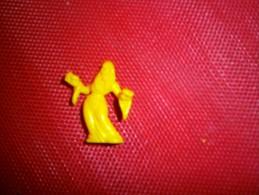 ANCIENNE FIGURINE MONOCHROME  MEG NBR  N 10 - Figurines