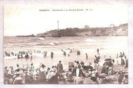 CPA - Biarritz (64) - No 11. Baigneurs à La Grande Plage - Biarritz