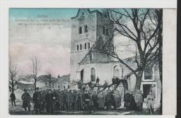 Pra088/ Soldaten (Ostpreussen) 1914. Gefangene Russen Vor Zerschossener Kirche - Ostpreussen