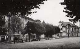 69  COURS Place De La Republique - Cours-la-Ville