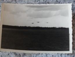Photo Original - D´avions Rentrant à La Base Après Une Mission - Aviation