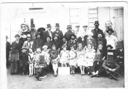 Grande Photographie Originale Carnaval Ou Fête Costumée, Grosses Têtes - Anonyme Personen