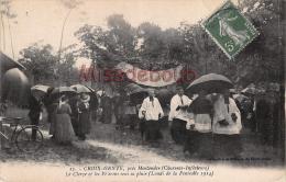17 -  MONTENDRE - CROIX GENTE - Le Clergé Et Les Pélerins Sous La Pluie - Lundi De Pentecote 1914   - 2 Scans - Montendre