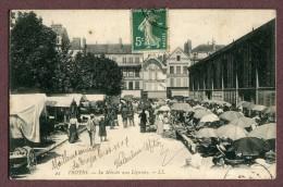 """TROYES  (10)  : """" LE MARCHE AUX LEGUMES """" - Troyes"""