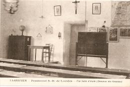 VENTE DIRECTE - LESNEVEN  - Au PENSIONNAT ND De Lourdes - Salle D´études - Lesneven