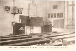 LESNEVEN  - Au PENSIONNAT ND De Lourdes - Salle De Classe - Division Des Petits - Lesneven