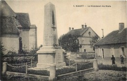 57 MAGNY - Le Monument Des Morts - Francia