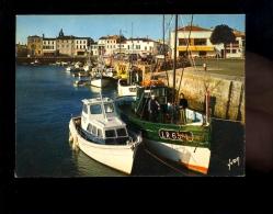 ILE DE Ré Charente Maritime 17 : La FLOTTE EN RE : Le Port Bateaux Bateau De Pêche Chalut - Ile De Ré