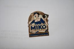 PIN´S MIKO N°1 - Alimentation