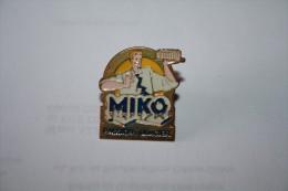 PIN´S MIKO N°2 - Alimentation