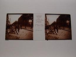 Photo Plaque De Verre Stéréoscopique Guerre 14-18 Paris Tirailleurs Et Marocains  Verascope Richard - Diapositiva Su Vetro
