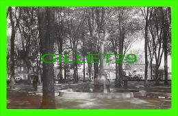 ST-HYACINTHE, QUÉBEC - PARC DESSAULLES PARK - CIRCULÉE EN 1949 - STUDIO, LUMIÈRE - - St. Hyacinthe