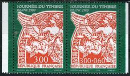 """FRANCE P3136A**  Paire 3f  Et 3f + 0f60 Orange Sur Vert Journée Du Timbre """" Blanc 1900"""" Issue De Carnet Avec Vignette - France"""