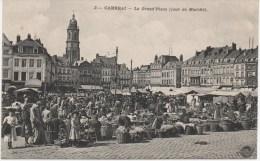 CAMBRAI  LA GRAND'PLACE  JOUR DE MARCHE  TRES ANIMEE - Cambrai