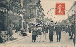 DEAUVILLE-LA-PLAGE-FLEURIE - N° 760 - PERSPECTIVE DE LA RUE GONTAUT-BIRON - Deauville
