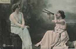 FEMMES - FRAU - LADY - Jolie Carte Fantaisie Portrait De 2 Femmes Assises Dans La Forêt - Donne