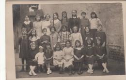 Groupe De Jeunes Filles  - Carte Photo - Schools