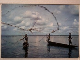 Cart. -  L' Africa A Colori - Pescatori  Che Zettano La Rete. - Liberia