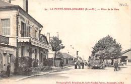 La Ferté Sous Jouarre    77     Place  Et Hotel De La Gare   Train - La Ferte Sous Jouarre