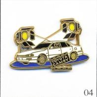 Pin´s - Automobile - Toyota / Camery - Version Blanche / Plateau Bleu. Est. A.Bertrand Paris. Zamac. T252-04 - Toyota