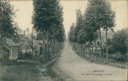 72 ARNAGE / Vue Prise Du Passage à Niveau / - France
