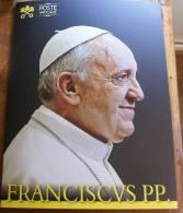 VATICANO 2013 - OFFICIAL VATICAN POSTAL SERVICE FOLDER  POPE FRANCESCO COMPL, SET - Collections
