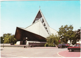 St-Cloud: SIMCA 1100, PEUGEOT 504, RENAULT 14  - Eglise Stella Matutine - Hauts-de-Seine, France - Voitures De Tourisme