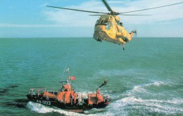 Postcard - Great Yarmouth & Gorleston Lifeboat & Rescue Helicopter, Norfolk. A
