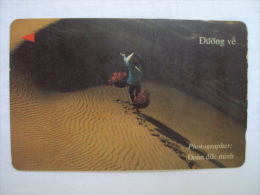 Vietnam Viet Nam Used Magnetic 60000d Phone Card / Phonecard : The Way Back / 02 Images - Vietnam