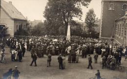 Carte Photo Thulin Rue Animé Ceremonie Memorial 14 18 Monument Disparus - Belgium