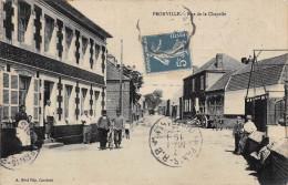 62.  PRONVILLE.  RUE DE LA CHAPELLE.  BEAU PLAN ET BELLE ANIMATION DEVANT MAISON. - France