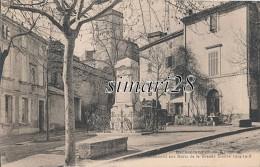BARBENTANE - MONUMENT AUX MORTS DE LA GRANDE GUERRE 1914-1918 - Otros Municipios