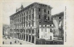 [DC5886] CARTOLINA - SALSOMAGGIORE - LARGO ROMA - GRAND HOTEL REGINA - ANIMATA - Viaggiata - Old Postcard - Parma