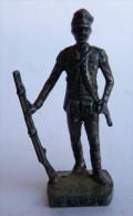 FIGURINE KINDER  METAL SOLDATS ANGLAIS 2 1770 SECOND LIEUTENANT (2) 80's Fer - KRIEGER GROBbRITANIEN - Metal Figurines