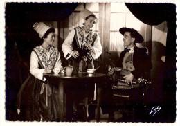 5111 - (35) Groupe Gallo-breton - Costumes De Rennes,epoque De Chateaubriand ( Pli à Gauche En Bas ) - Sin Clasificación