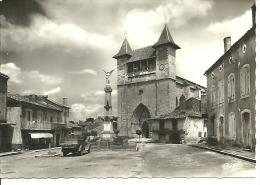 VILLEREAL....place De L´église....monument Aux Morts...1962.......14 X 9 - Autres Communes