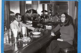 PHOTO -NANA MOUSKOURI-au Bar De L'hotel Bristol à MARSEILLE-photo P DETAILLE -années 60 - Artistes