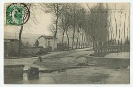 CPA COTE-d'OR - 21 - Is sur Tille - Crue 1910 Le Pont de Langres entrain� par les eaux