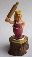 FIGURINE ASTERIX PLASTOY 2002   BONEMINE SUR SOCLE TBE Pièce De Jeu D'échec En PVC 2006 - Asterix & Obelix