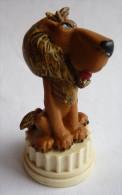 FIGURINE ASTERIX PLASTOY 2002  LION DE L'ARENE SUR SOCLE TBE Pièce De Jeu D'échec En PVC 2006 - Asterix & Obelix