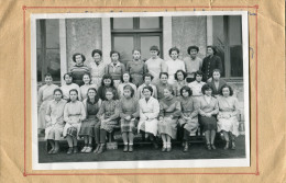 ROCHEFORT  CLASSE  3EME  EN  CC  AVEC LE NOM DES ELEVES AU DOS    ANNEE 1954 / 1955  PHOTO FORMAT  13X18 CM - Lieux